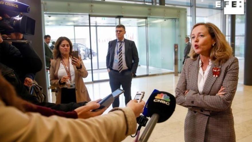 Bruselas ve el actual presupuesto del euro como primer paso hacia uno mayor