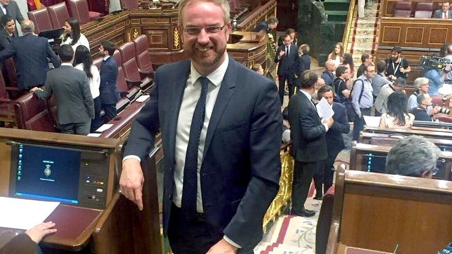 El diputado castellonense del PP, Óscar Clavell, en el Congreso