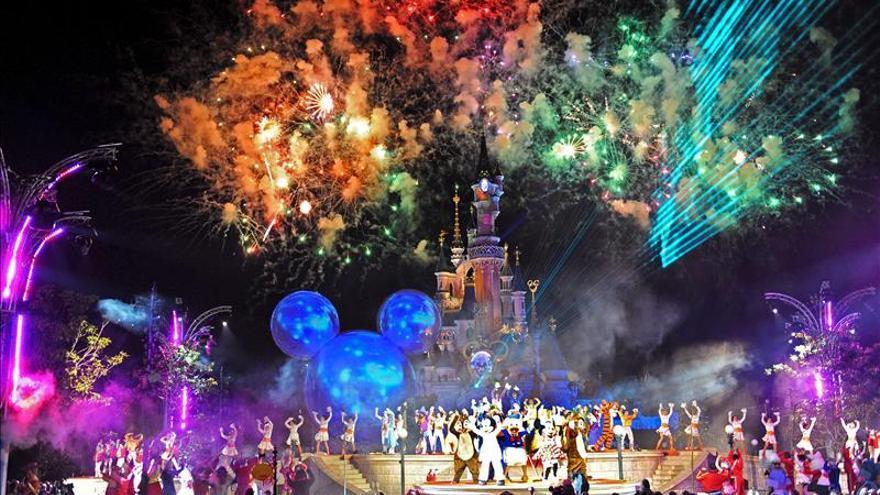 Disneyland París defiende su política de precios
