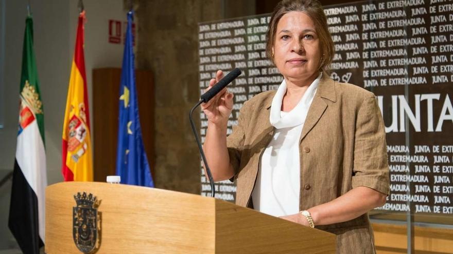 """Extremadura acusa al Gobierno de no informar a las CCAA sobre techo de gasto o el déficit como """"instrumento de presión"""""""