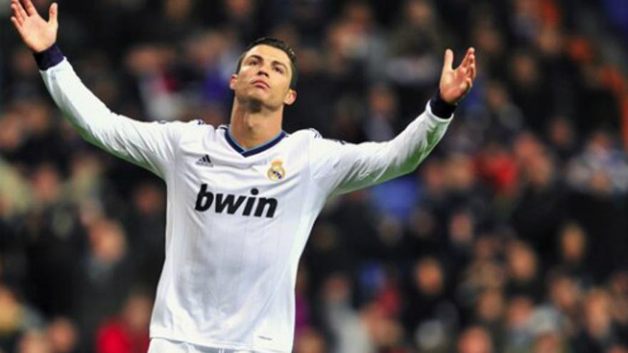 Cristiano Ronaldo durante un partido en el Santiago Bernabéu (Foto: Twitter)
