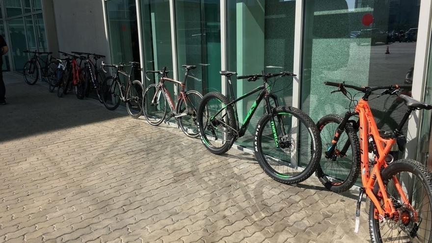 La Ertzaintza recupera nueve bicicletas de alta gama robadas en una empresa de Gordexola (Bizkaia)