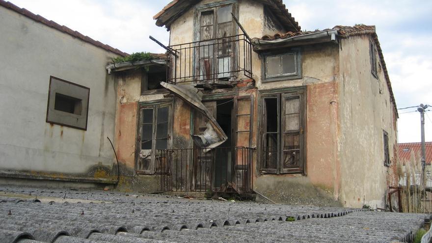 Orden de derribo para un edificio en ruina en la calle Resconorio