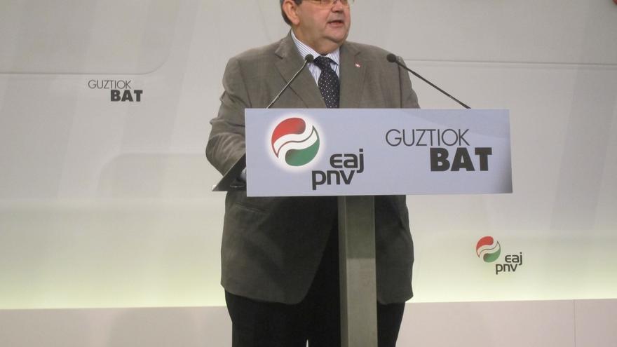 """Mediavilla (PNV) cree que """"conducir un problema político"""", como el catalán, a la vía penal es """"añadir más leña al fuego"""""""