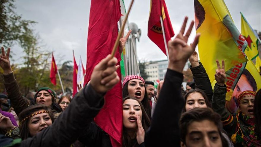 Miles de kurdos protestan en Alemania contra la política de Erdogan