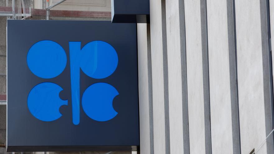 OPEP: La demanda de crudo subirá un 4,8 % hasta diciembre y un 3,4 % en 2022