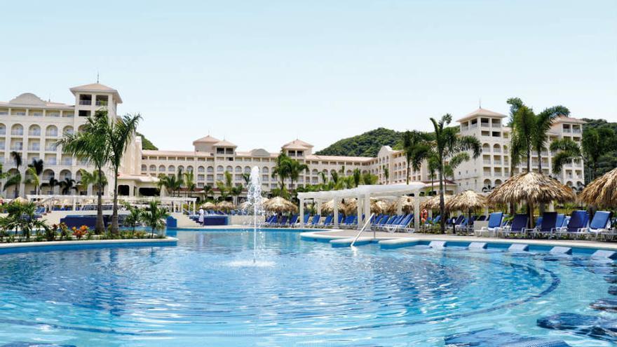 Piscina del Hotel Riu Guanacaste (www.riu.com)
