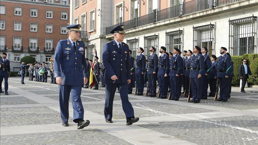 El jefe del Ejército del Aire recibe a su homólogo colombiano, en el primer día de visita a España