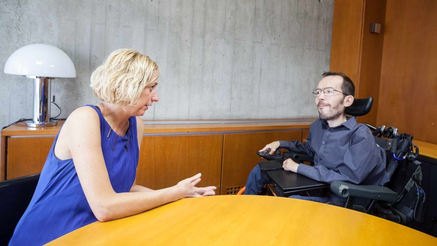 Pablo Echenique con la diputada de IU en las Cotes de Aragón, Patricia Luquin