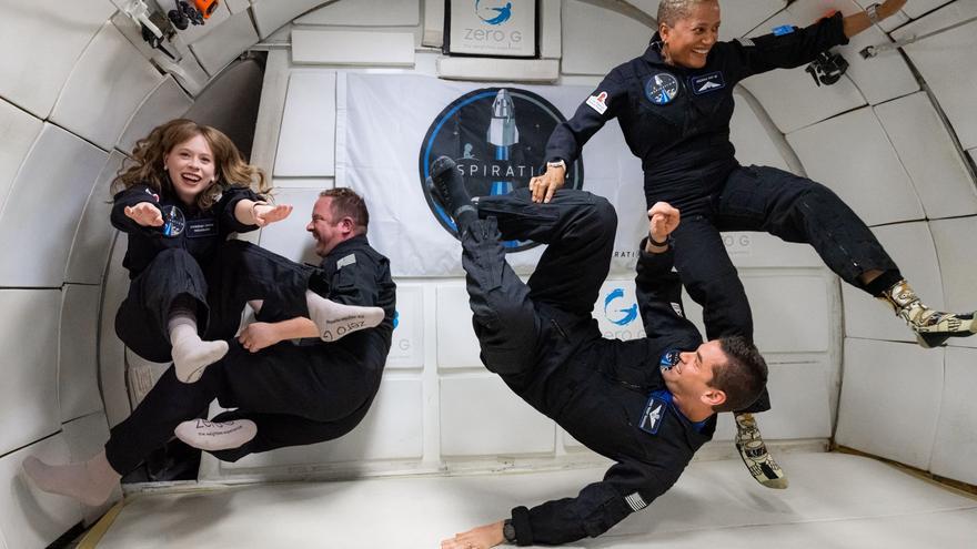 Cápsula de SpaceX despega en EE.UU. con la primera misión de civiles al espacio