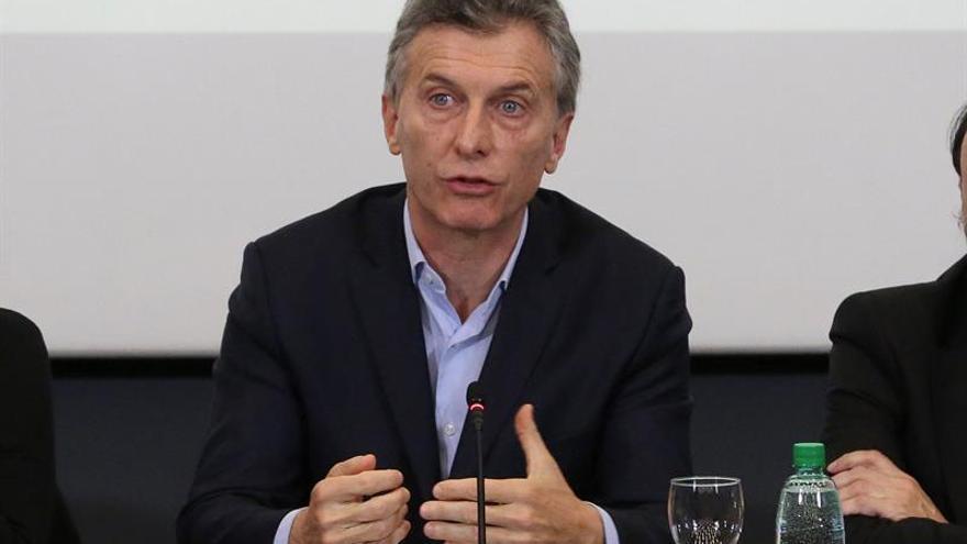 El presidente argentino anuncia el veto a la ley para frenar los despidos
