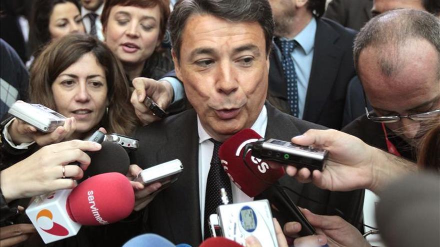González niega que Madrid priorice ofertas de empleo a los que reciben prestación