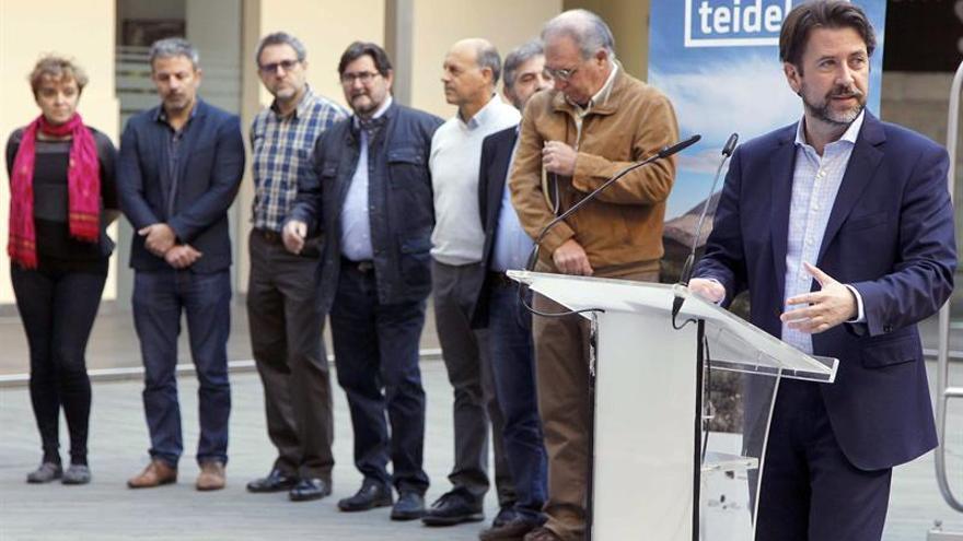 Momento del acto en que se presentó Teidelab