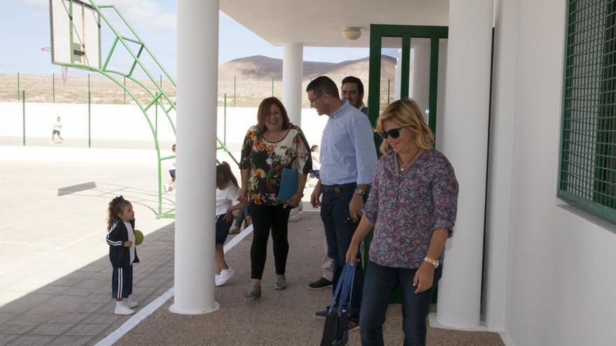 Visita del alcalde de Teguise, Oswaldo Betancort, al CEO Ignacio Aldecoa de La Graciosa (CEDIDA)