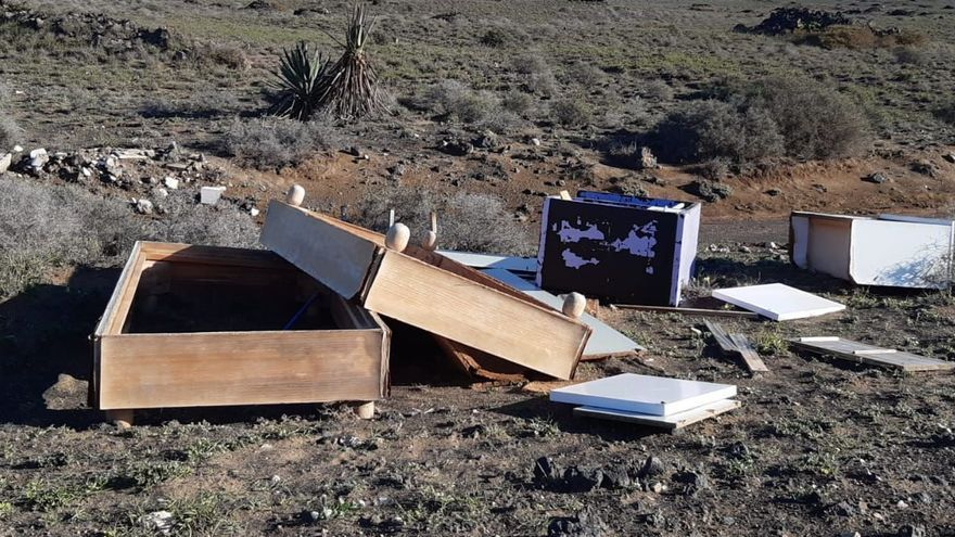 Lanzarote retira más de 3.000 kilos de escombros en 12 puntos de vertido descontrolados