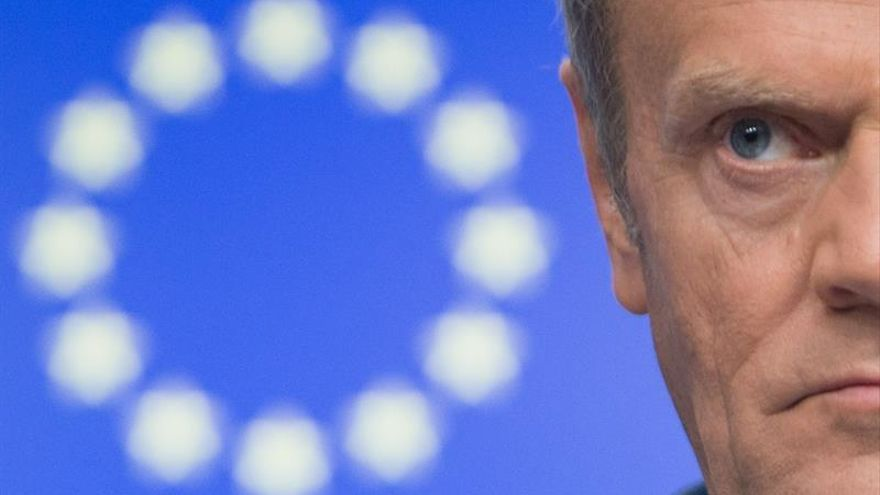 Tusk propone retrasar la cumbre UE-Japón por las inundaciones y celebrarla en Tokio
