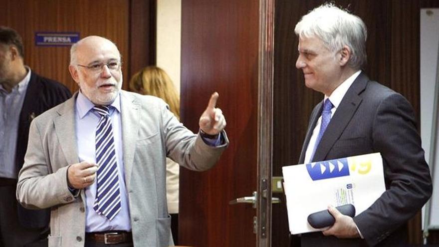 José Moya junto a José Miguel Pérez. | EFE/Cristóbal García