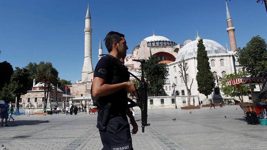 Turquía desplegará a 17.000 policías en Estambul durante la Nochevieja