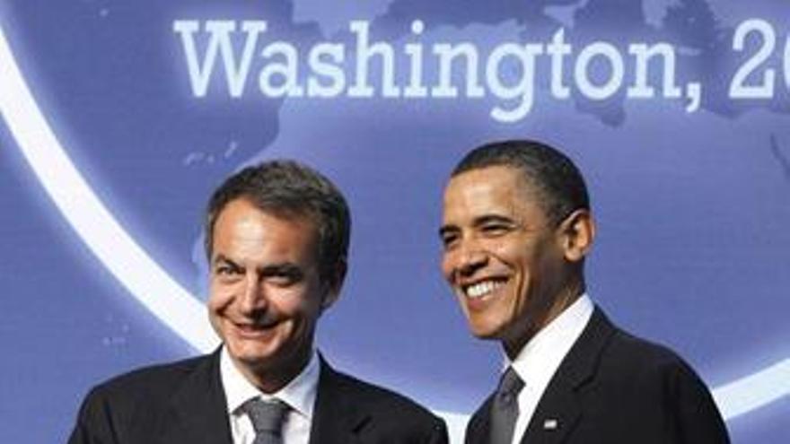Zapatero y Obama se saludan en el foro nuclear de Washington