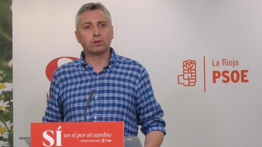 """El PSOE pide a Pedro Sanz que dimita como senador autonómico """"por honradez política"""""""