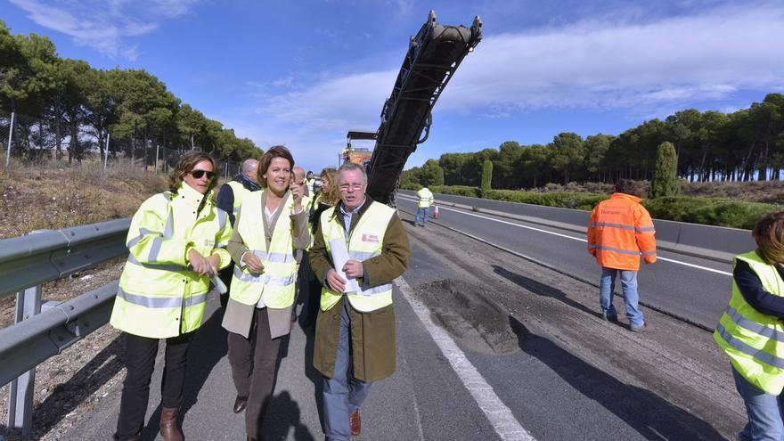 La mejora del firme de la Autovía del Ebro (A-68) finalizará a principios de diciembre