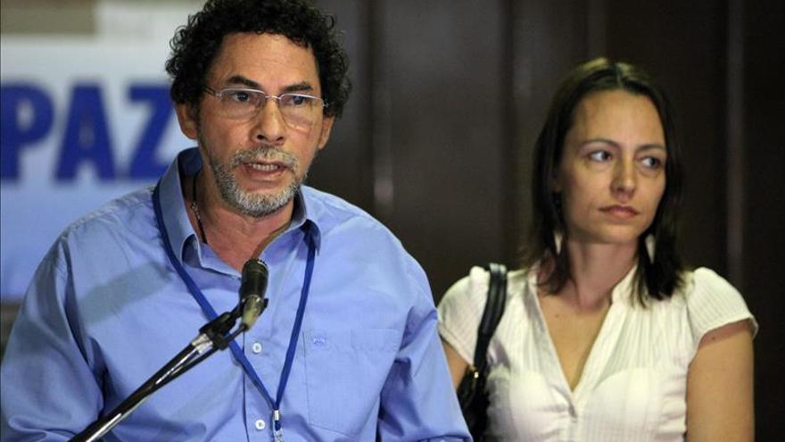 Negociador de las FARC ve sensato el llamado de garantes a reafirmar el proceso de paz