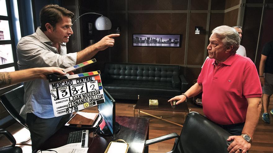 Antonio Garrido y César Sánchez en el rodaje de 'Mercado central'