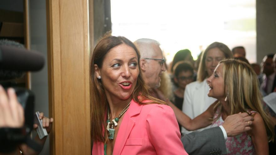 Cristina Tavío en la toma de posesión de Clavijo (ALEJANDRO RAMOS)