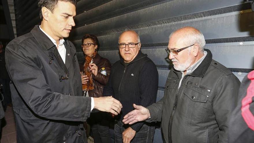 Pedro Sánchez visita Bullas para mostrar sus condolencias