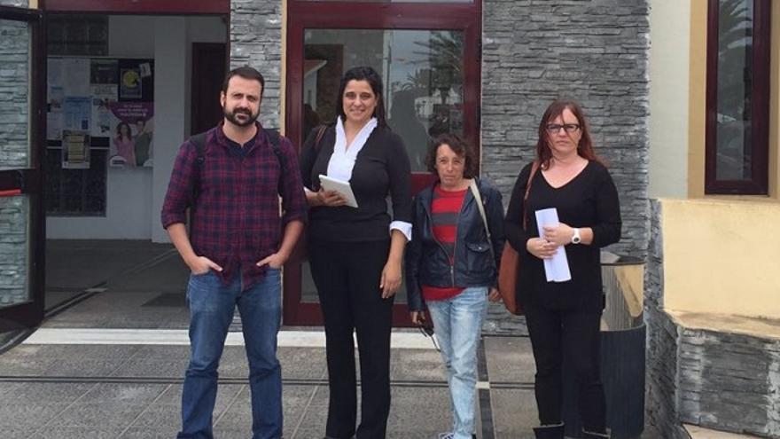 Silvia Peixoto (segunda por la izquierda)
