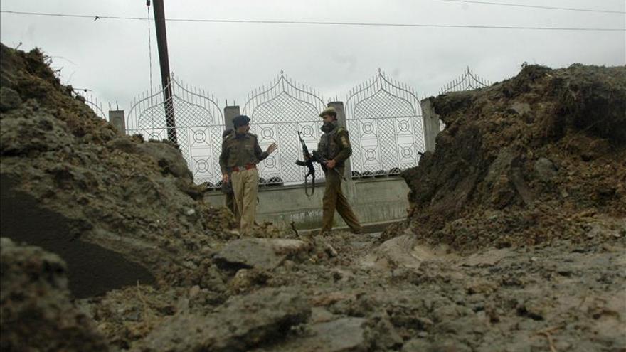 Al menos 9 muertos en un ataque contra fuerzas paramilitares en la India