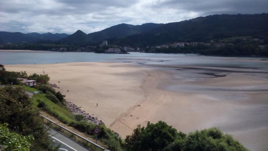 Baño prohibido en las playas vizcaínas de La Arena, Barinatxe, Arriatera-Atxabiribil y Bakio