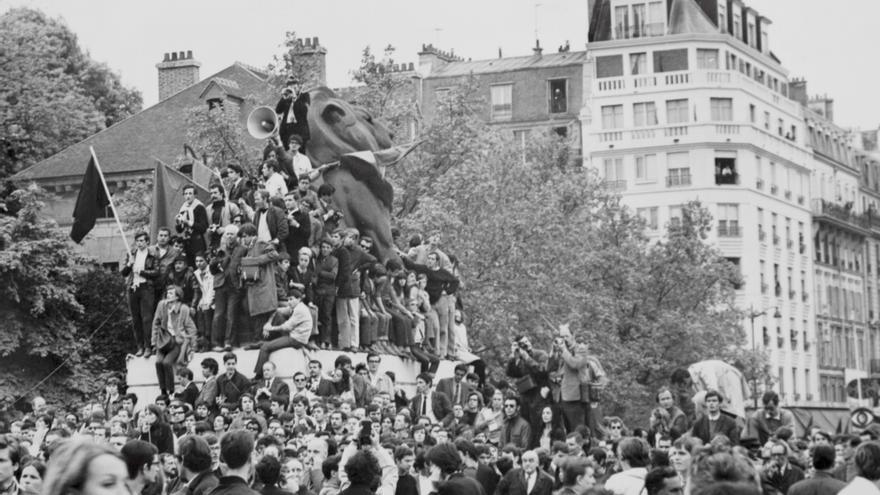 Imagen de archivo cedida por el Museo de la Prefectura de la Policía parisina sobre los disturbios de mayo del 1968. EFE/ Museo de la Prefectura de la Policía parisina