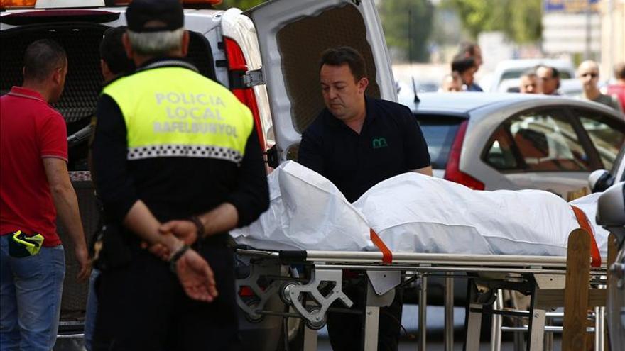 Rafelbuñol decreta tres días de luto por la muerte de dos hombres tiroteados