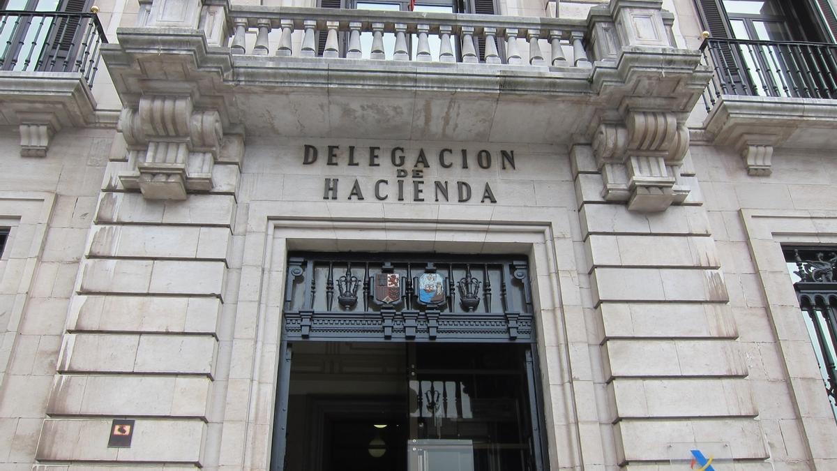 Hacienda licita en 230.000 euros la seguridad en los edificios de la Agencia Tributaria en Cantabria