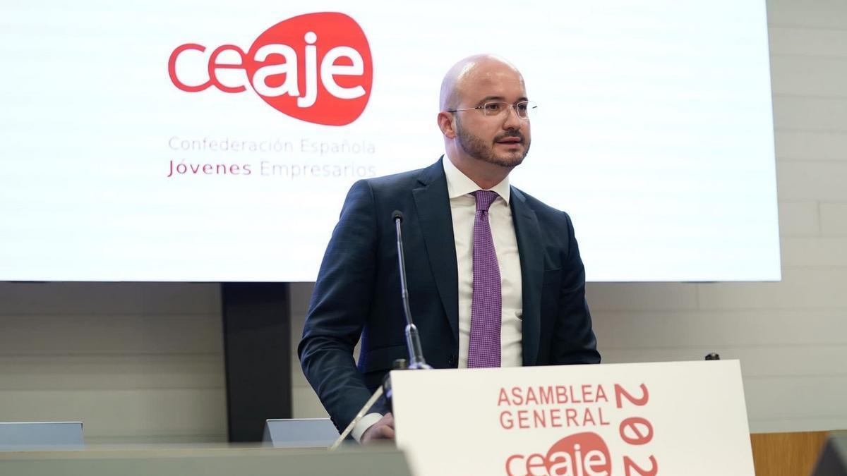 Fermín Albaladejo, presidente de la Confederación Española de Asociaciones de Jóvenes Empresarios (CEAJE) en la Asamblea General de la patronal este 2021.