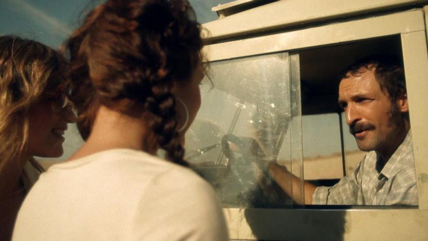 Un fotograma del corto 'Walkie Talkie'.