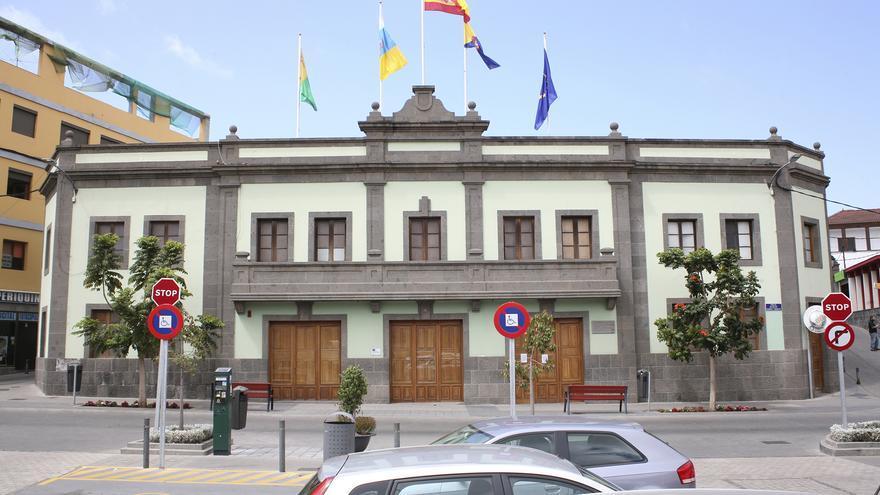 Fachada del Ayuntamiento de Arucas. (ALEJANDRO RAMOS)