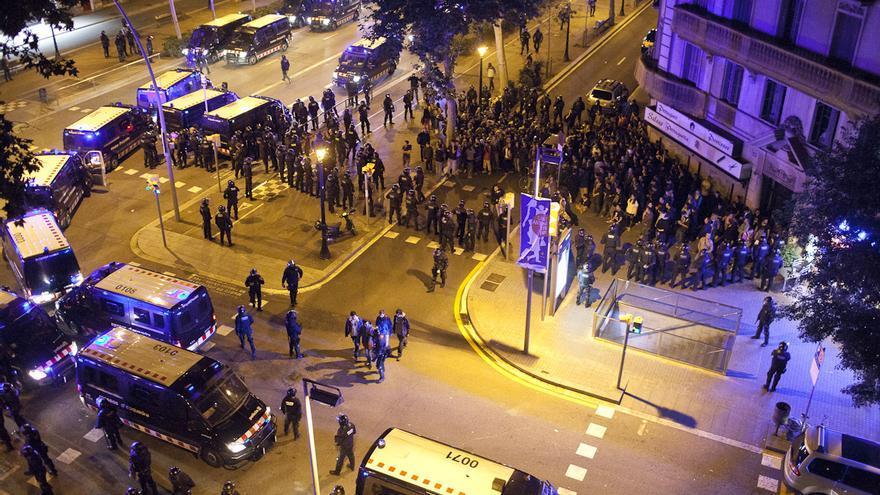 Manifestación de apoyo a Can Vies por el centro de Barcelona