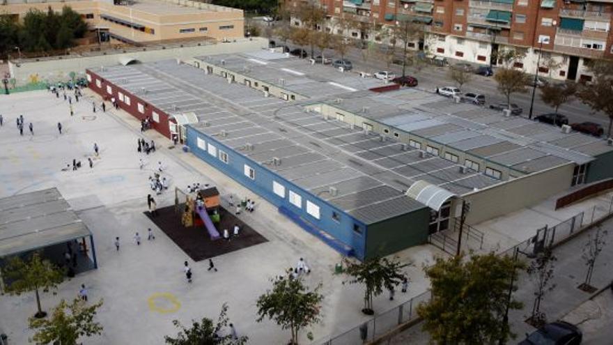 Los barracones que forman el colegio 103 de Valencia