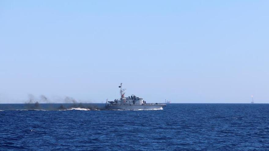 Una patrullera libia en el Mediterráneo.