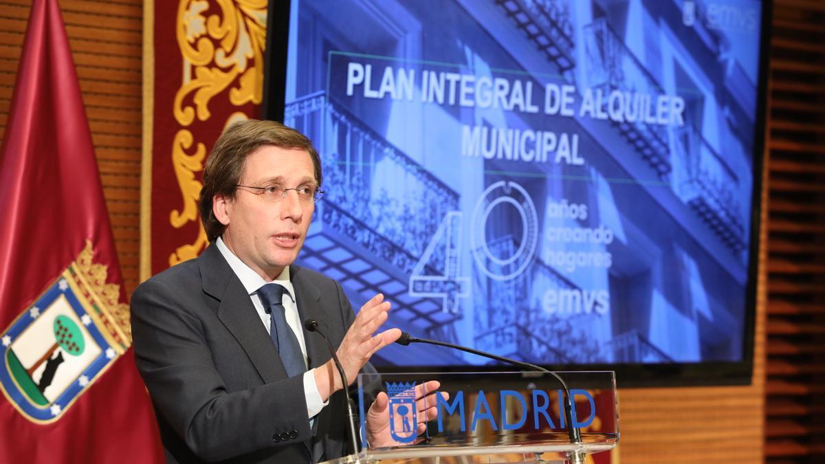 El alcalde de Madrid, José Luis Martínez-Almeida, en la presentación del plan de vivienda.