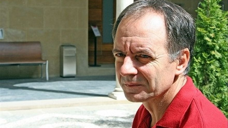 El ciclo 'Letras capitales' de la Junta presenta el libro de Antonio Soler 'Apóstoles y asesinos'