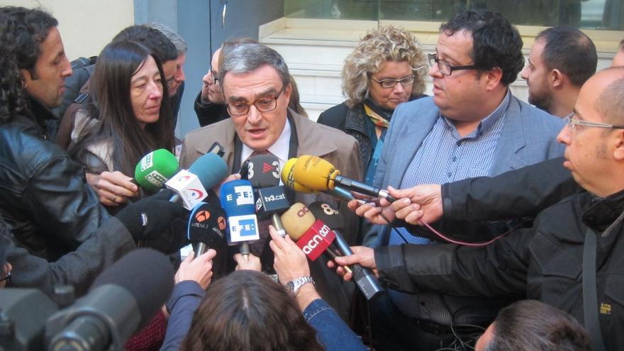 """Pere Navarro y los críticos se emplazan a buscar un """"documento"""" compartido sobre la consulta"""