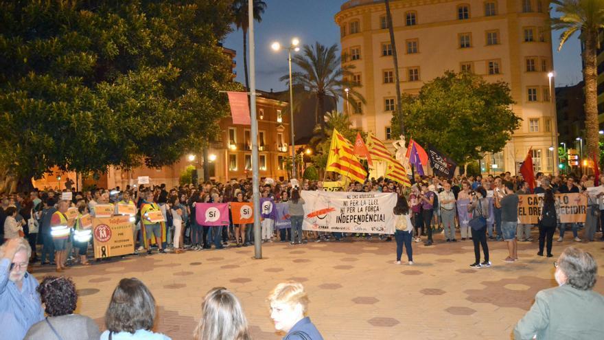 Un instante de la concentración celebrada en Castellón