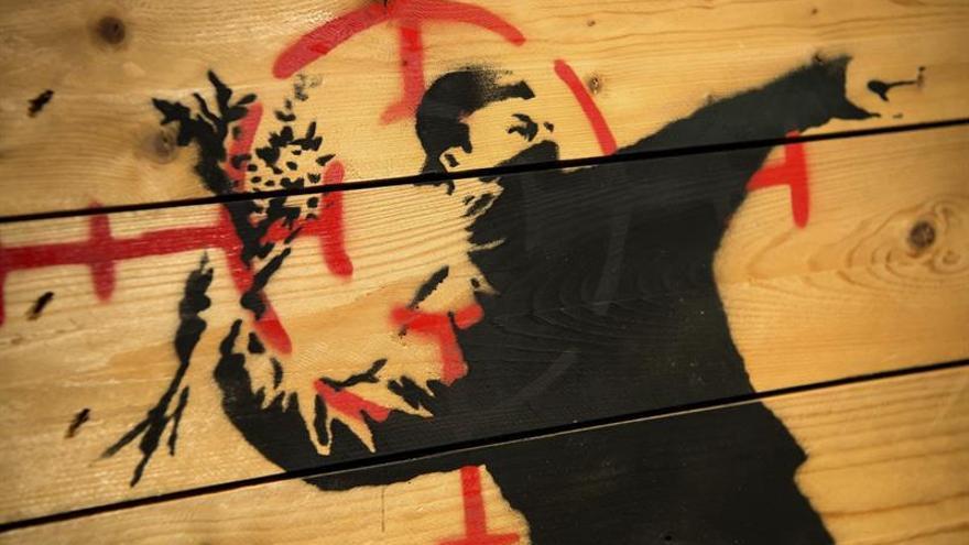 Casi medio centenar de obras de Banksy en una exposición en Múnich