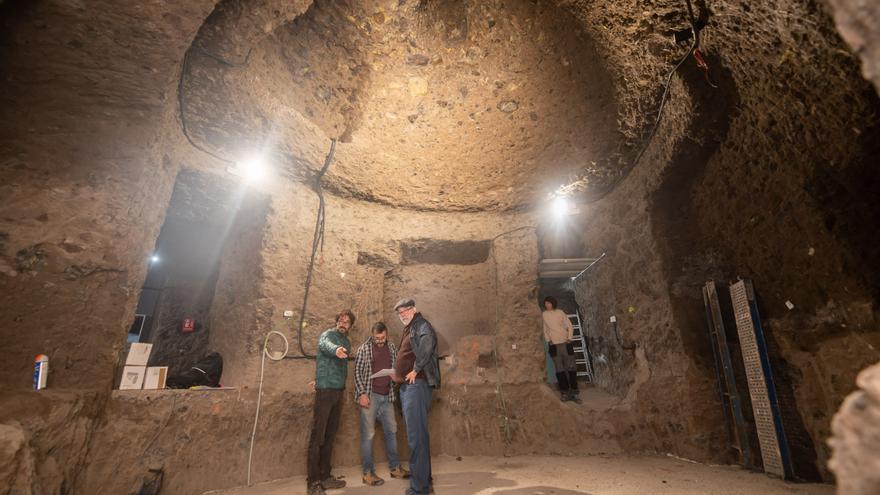 Réplica de la cueva de Risco Caído