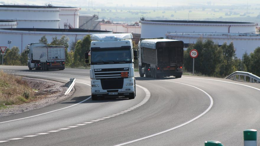La Policía Municipal de Bilbao iniciará el lunes una campaña para supervisar la carga en el transporte de mercancías