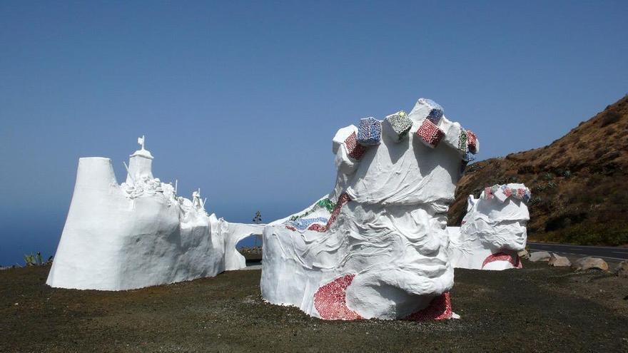 Escultura homenaje Bajada