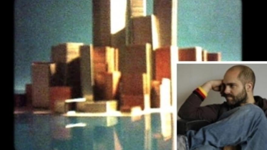 Fotograma de 'Ciudad XXI' junto a imagen de David Pantaleón (arriba) y logo de 'Visionaria' (abajo).
